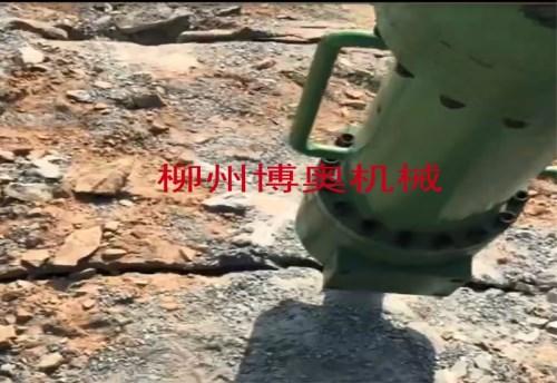 陜西分解大石塊就選博奧大型劈裂機/破裂機/開山機
