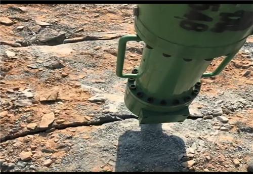 河南平頂山巖石劈裂機在行動施工方法/案例