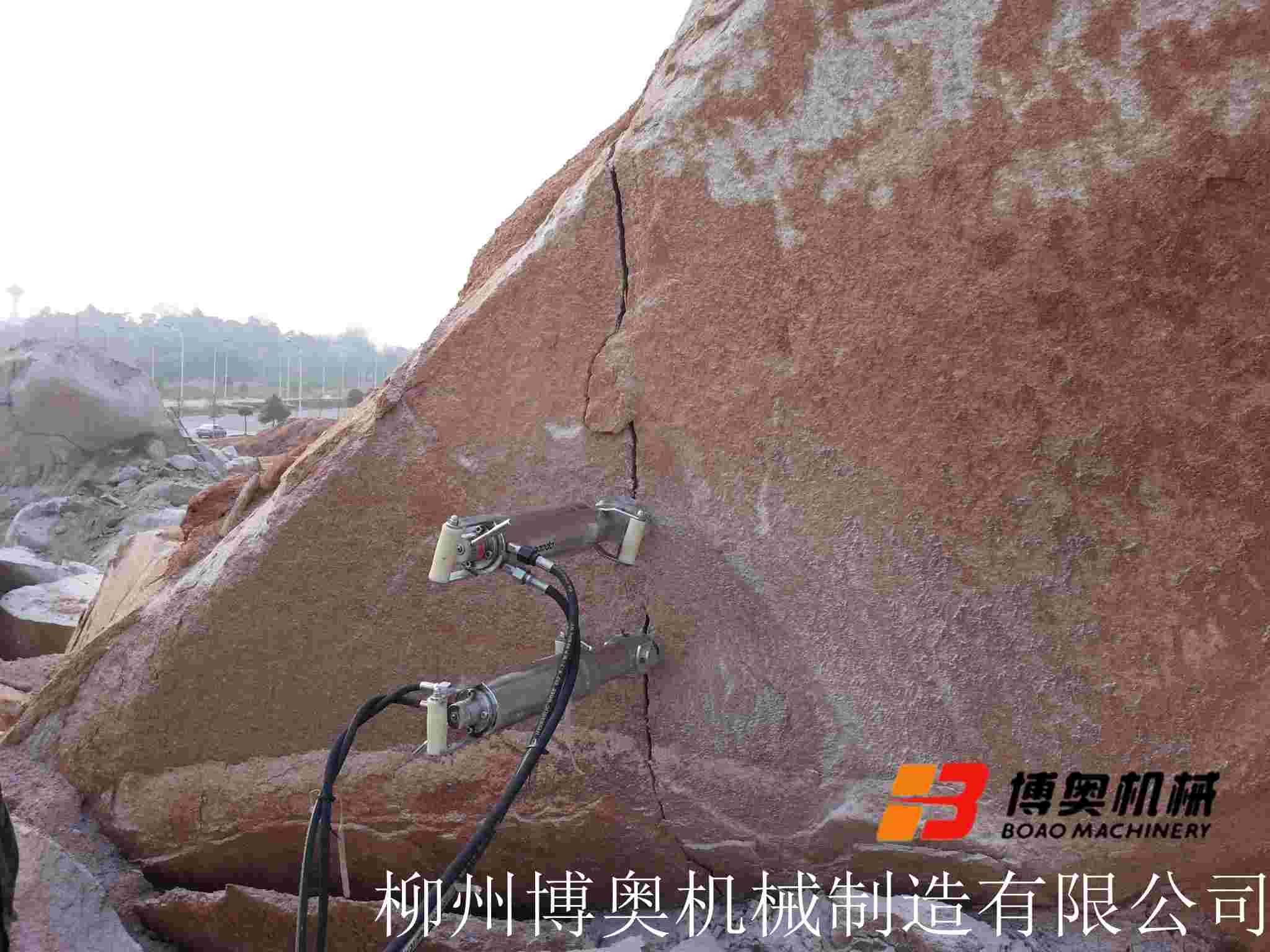 大块石头破碎劈裂机