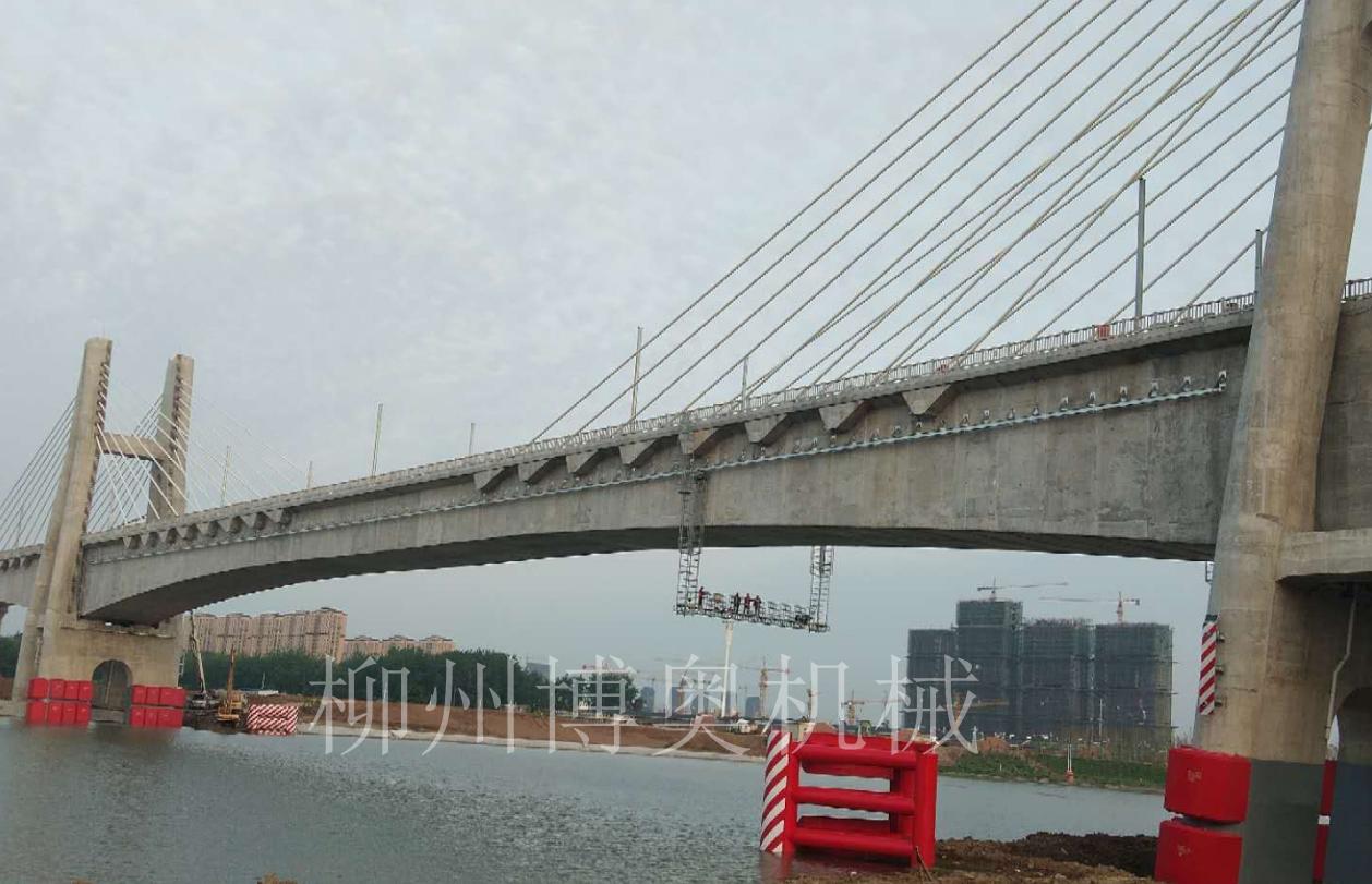 桥梁检查轨道及检查小车安装中博奥公司存在非常大的优势